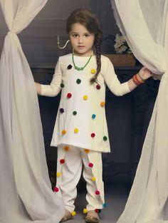 Wedding Dresses For Kids, Little Girl Dresses, Girls Dresses, Kids Dress Wear, Kids Gown, Kids Wear, Frocks For Girls, Kids Frocks, Baby Girl Dress Patterns