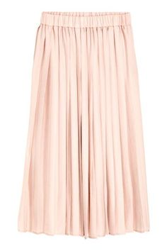 Pleated skirt: Calf-length skirt in an airy weave with an elasticated waist and pleats.