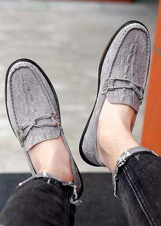 Grey double tie croc pattern leather slip on shoe loafer Mens Slip On Loafers, Mens Slip On Shoes, Leather Slip On Shoes, Loafers Men, Mocassins Luxe, Crocodile Skin, Shoe Shop, Men's Collection, Loafer Shoes