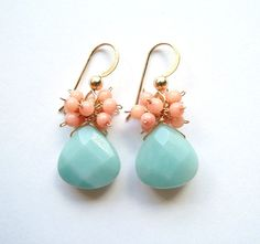 He encontrado este interesante anuncio de Etsy en https://www.etsy.com/es/listing/78078892/sale-peach-coral-amazonite-earrings