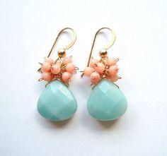 He encontrado este interesante anuncio de Etsy en https://www.etsy.com/es/listing/78078892/sale-peach-coral-amazonite-earrings