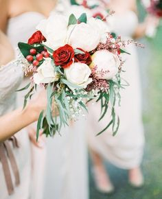 With all of the flowers we've been seeing today we couldn't help but share one of our favorite wedding bouquets {featuring our 'Hannah Dress' in Silver Peony available at @nordstrom }! Photo by @alexandragracephoto . . . . #realweddings #bridesmaid #bridesmaids #bridetobe #weddingstyle #weddinginspiration #papercrownbridesmaids by papercrown