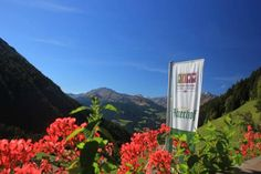 Hotel Jägerhof St. Leonhard in Passeier Located 1.5 km from Valtina, the Jägerhof offers panoramic mountain views. It features an award-winning restaurant and a traditional South Tyrol wellness area with Turkish bath. San Leonardo in Passiria is 10 km away.