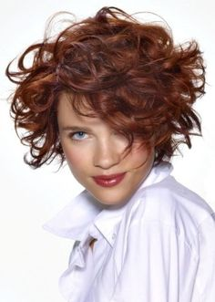 9 Cute Short Haircuts for Round Faces | Styles At Life