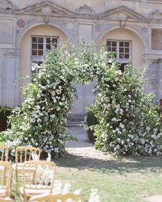 Wedding Arbors, Wedding Arch Flowers, Wedding Ceremony Backdrop, Ceremony Arch, Wedding Shoot, Arch Wedding, Wedding Day Inspiration, Floral Arch, Bridal Show