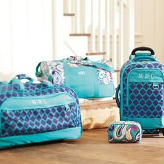 jet-set pool clover duffle // loving this travel set for our winter jet-setting!