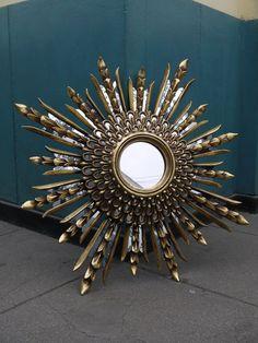 HUGE VTG DESIGN BEAUTIFUL SUNBURST STARBURST CARVED GILT WOOD MIRROR WOOD WOW I Love Mirrors, Look In The Mirror, Wood Mirror, Mirror Mirror, Crown Drawing, Room Ideas, Frames, Carving, Diy Crafts