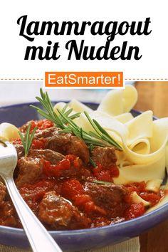 Protein-Kick zum Mittag: Lammragout mit Nudeln - 672 kcal - schnelles Rezept - einfaches Gericht - So gesund ist das Rezept: 8,1/10 | Eine Rezeptidee von EAT SMARTER | Schmoren, Ernährung, Vollkorn, Eiweißreich, Fitness, Gesundheit, Eisenmangel, Kinderwunsch, Schwangerschaft, Stillzeit, Klassiker, Ragout, Region, Europa, Kochen, Fleisch, Nudeln, Primi Piatti #lamm #gesunderezepte