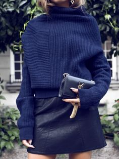 I wish I knew where to find this sweater. Les Brèves - Tendances de Mode