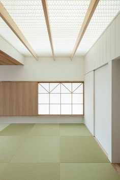 Image 12 of 19 from gallery of House with Dormer Window / Hiroki Tominaga-Atelier. Photograph by Takumi Ota Japanese Architecture, Architecture Details, Interior Architecture, Interior Design, Dormer Windows, House Windows, Tatami Room, Home Ceiling, Glass Ceiling