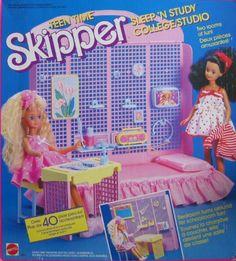 Barbie Teen Time Skipper Sleep n Study Playset Teen Time Courtney and Skipper Barbie Skipper, Barbie And Ken, 1980s Barbie, Retro Toys, Vintage Toys, Childhood Toys, Childhood Memories, Barbie Playsets, Barbie Sisters