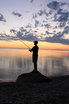 Gone Fishin: EVERY single eve with a coffee tin full of dirt & wiggly worms I caught myself, my old cane pole and a red & white bobber. Fishing Girls, Gone Fishing, Fishing Rod, Beside Still Waters, Fish Silhouette, Fishing Photos, Outdoor Fun, Solitude, Senior Pictures