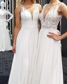 ADORNIA BRAUTMODE - klassisches Brautkleid #brautkleid #hochzeitskleid #brautlook #spitze Vintage Stil, Elegant, Formal Dresses, Fashion, Vestidos, Classic Wedding Dress, Bridal Looks, Princesses, Marriage Anniversary