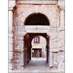 La antigua #puertadebisagra llamada hoy #puertadealfonsoiv #igerstoledo #estaes_castillamancha #igers_clm #monumentalspain #monumentaleurope #medievalworld #spain_beautiful_landscapes #Great_Captures_Espana #loves_toledo #instatoledo