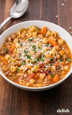 Easy Pasta e Fagioli Soup Recipe - How to Make Pasta Fagioli with Sausage Fall Soup Recipes, Pasta Recipes, Recipe Pasta, Pasta Fagioli Recipe Vegetarian, Recipes Dinner, Authentic Pasta Fagioli Recipe, Winter Dinner Recipes, Recipe Recipe, Vegetarian