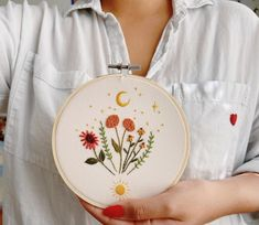 Beautiful, contemporary embroidered florals stitched by @a.lbaa For more embroidery inspiration, visit DMC.com to see our 1000+ FREE patterns. Embroidery Hoop Art, Floral Embroidery, Embroidery Designs, Pattern Design, Free Pattern, Love Flowers, Knit Crochet, My Etsy Shop, Cross Stitch