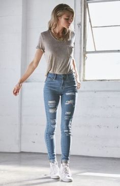 tshirt and jeans outfit