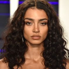 Vanity Fair Oscars Party 2019 Best Hairstyles and Makeup - Allure Oscar Party, Hair Inspo, Hair Inspiration, Curly Hair Styles, Natural Hair Styles, Updo Curly, Natural Curls, Subtle Makeup, Birthday Hair