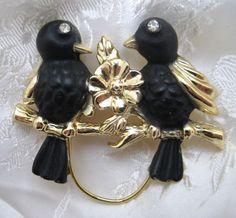Vintage 1950s Goldtone Love Birds Brooch #Unbranded