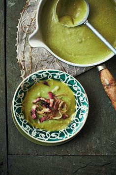 Split pea cream with bacon - An easy recipe for split pea and bacon winter soup, Saveurs Magazine - Easy Smoothie Recipes, Easy Smoothies, Good Healthy Recipes, Healthy Snacks, Snack Recipes, Cooking Recipes, Pumpkin Soup, Greens Recipe, Coco