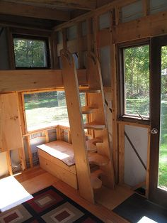 Green Mtn College, Poultney, VT http://www.greenmtn.edu Tiny House - Renewable Energy and Ecological Design (REED)