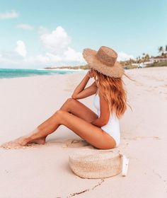 Beach Photography Poses, Summer Photography, Levitation Photography, Exposure Photography, Abstract Photography, Outfit Strand, Cute Beach Pictures, Lake Pictures, Shotting Photo