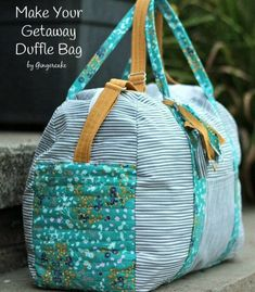 Duffle Luggage Bag (2 sizes) sewing pattern. This handy carry all duffle bag comes in two sizes. Small is ideal for the kids or a weekend away, the larger size has room for the kitchen sink! Sew one as your gym bag, or just when you need to carry everything! #SewModernBags
