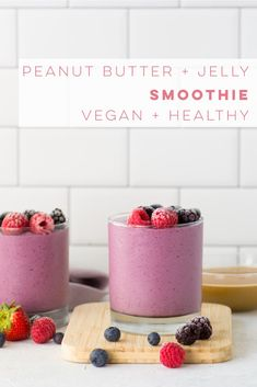 Get into back to school mode with this quick and easy breakfast recipe! PB and J… Get into back to school mode with this quick and easy breakfast recipe! PB and J smoothie that is so delicious and healthy. Strawberry Kiwi Smoothie, Smoothie Without Banana, Pb And J Smoothie, Vegan Smoothie Recipes, Juice Recipes, Healthy Vegan Breakfast, Healthy Eating, Avocado, Quick And Easy Breakfast