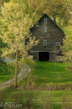 Loving this barn! Early Spring green on a farm in East Montpelier, VT Kurt Budliger. Farm Barn, Old Farm, Country Barns, Country Living, Country Roads, Country Kitchen, Barns Sheds, Country Scenes, Red Barns