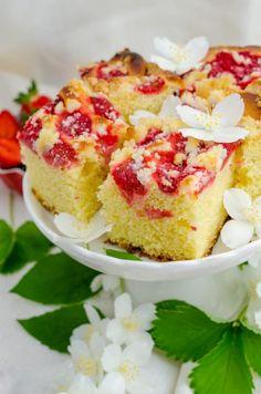 Ciasto drożdżowe z truskawkami | Sprawdzona Kuchnia Polish Recipes, Tea Cakes, Vanilla Cake, Cheesecake, Strawberry, Coffee, Kaffee, Polish Food Recipes, Cheesecakes