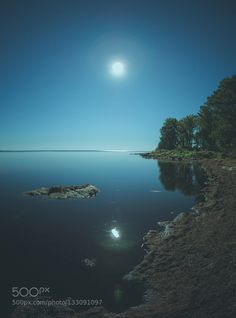 The stillness of the Night by mangeeriksson