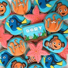 Finding Dory cookies Cookies For Kids, Fancy Cookies, Custom Cookies, Third Birthday Girl, Disney Cookies, Baby Shower Cookies, Birthday Cookies, Finding Nemo, Cookie Decorating