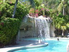Nice pool with waterfall - Hilton Key Largo
