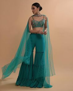 Indian Western Dress, Dress Indian Style, Indian Fashion Dresses, Indian Ethnic Wear, Indian Wedding Outfits, Indian Outfits, Sharara Designs, Lehenga Designs, Saree Wearing Styles