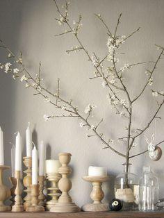 Пасхальный декор из веток и деревянные подсвечники