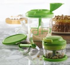 Tupperware PowerChef™ Premium System Your complete prep crew Two great prep products work together to create years of delicious meals and treats. Includes Power Chef™ 5¾-cup/1.35 L base with anti-skid ring, Chop 'N Prep 1¼-cup/300 mL anti-skid base, pull-cord cover, adaptor ring, three curved blades, three straight blades, paddle whisk, funnel with measurements, two blade protectors and two airtight, liquid-tight seals. www.my.tupperware.com/catherineboltz
