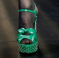 Sandali verdi Saint LaurentSaint Laurent, scarpe primavera estate 2015, sandali verdi.