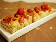 Rețetă Altele : Focaccia cu cherry, busuioc si pancetta de Eileen