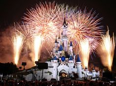 Disneyland Paris - Our 5 top rides for all the family - read the article #France #Paris #Disney