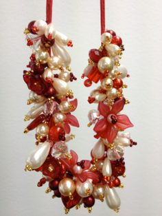 Beaded necklace in red