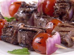 Kebab de Carne Apimentada com Iogurte e Pepino - Food Network