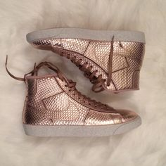 online store 02d0f 845f7 rose gold nike blazers- mid barely worn still in original box Nike Shoes  Sneakers