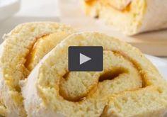 In dieser einfachen Videoanleitung sehen Sie, wie Sie Biskuitroulade Schritt für Schritt selbst backen. Von der Zubereitung des Teigs, über das Apple Pie, Omelette, Sweets, Desserts, Austria, Videos, Food, Cakes, Raspberries