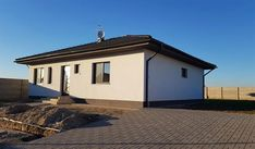 Projekt bungalovu - O110 - Pohľad na uličnú fasádu Construction Drawings, Construction Cost, Site Plan Drawing, 360 Virtual Tour, Stone Cladding, Dead Space, Energy Efficient Homes, Building Structure, Plan Design