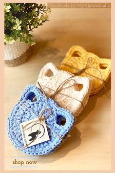 Crochet Diy, Crochet Home, Love Crochet, Hand Crochet, Small Crochet Gifts, Crochet Scrubbies, Crochet With Cotton Yarn, Crochet Kitchen, Cat Lover Gifts