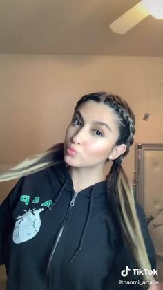 Creds to: naomi_arbide Curly Hair Tips, Easy Hairstyles For Long Hair, Braids For Long Hair, Cute Hairstyles, Braided Hairstyles, Hairstyles Videos, Hair Tips Video, Hair Videos, Makeup Videos