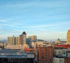 Good morning San Francisco. Even got the moonset by vmdoug