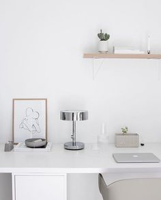 Hope you enjoy your holidays! ☀️ Here is some office inspiration for all of you who are still working! Belongs to @amandaxelssson ✨Pythagoras shelf in white and nature oak Ta bort kommentarmazeinterior#mazeinterior #inredning #slowproduction #interior #interiør #interiör #interior4all #scandinavian #scandinavianhomes #scandinaviandesign #scandinavianinterior #swedishdesign #swedishdesign #storage #storagesolutions #pythagorasshelf #pythagoras