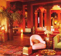 Living room in India. #India #Hindu #architecture #design