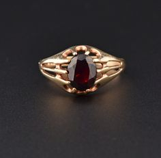 Vintage Garnet Gold Mens Belcher Ring, Sz 10 #Men #Vintage #Mens #Garnet #Gold #intage #Ring #Black #Necklace #Guilloche